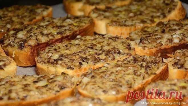 Простое блюдо с шампиньонами, покоряющее сердца: готовим хрустящие горячие бутерброды в духовке!!!