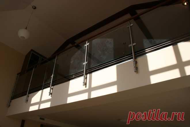 Ограждения со стеклом и нержавеющей сталью