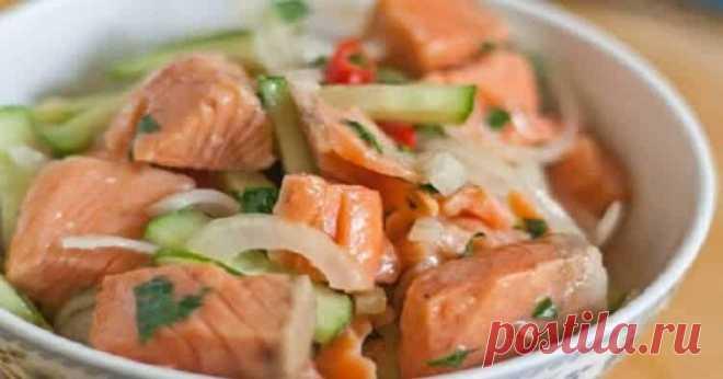 Салат из рыбы по-корейски: съедается в один присест! Hу очень удачный маринад! Хе — национальная корейская закуска-салат, которую готовят из овощей с птицей, мясом или рыбой путем маринования. Для приготовления хе подойдет любая не костлявая рыба: форель, кета, горбуша, семга ил…