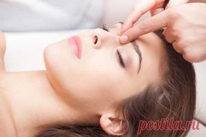 Массаж точки на лбу от стресса и бессонницы