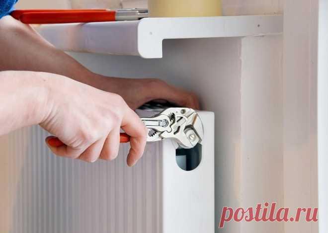 Кто должен менять батареи в квартире по закону РФ?