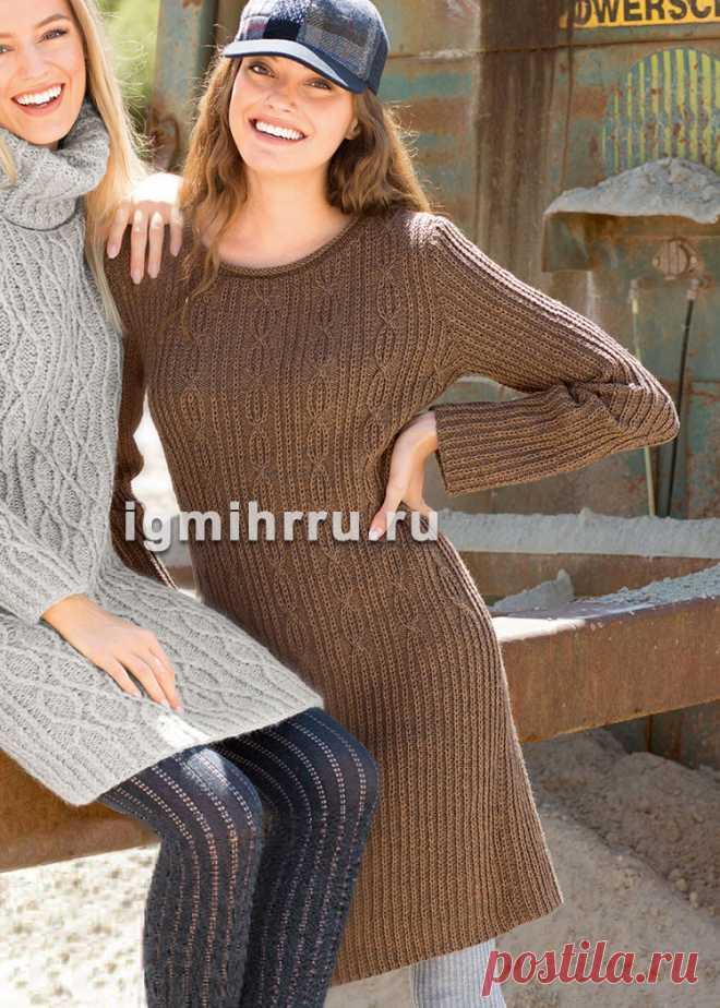 Коричневое шерстяное платье с рельефными узорами. Вязание спицами