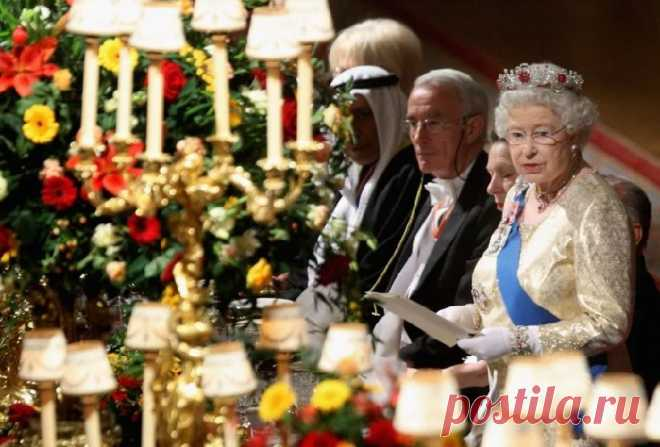 Королева Елизавета II объявила войну пластику при дворе   В мире