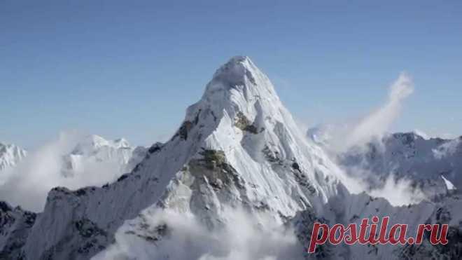 Гималаи с высоты 20 000 футов Фильм снят современными высокотехнологичными камерами с вертолета с экипажем.  Съемка произведена на высоте от 4 600 футов до 24 000 футов.