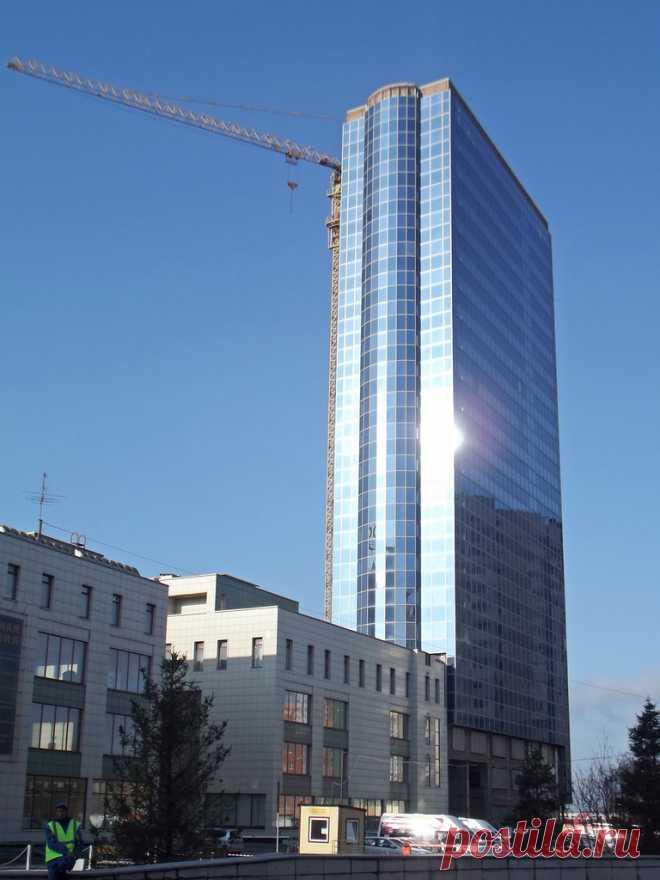 Сразу бросается в глаза , что Новосибирск - город высокий.Большое количество новых суперсовременных домов строиться в городе.