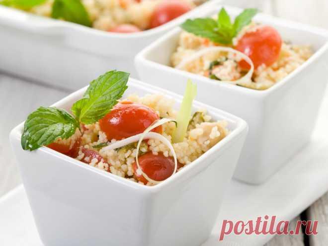 Теплый салат с кускусом и помидорами черри — Вкусные рецепты