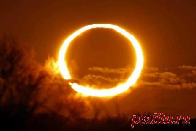 Прогноз для знаков зодиака, на солнечное затмение 10 июня 2021 года Яндекс-картинки, иллюстрация Яндекс-картинки, иллюстрация Итак, 10 июня нас ожидает солнечное затмение, которое... Читай дальше на сайте. Жми подробнее ➡