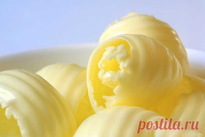 Почему сливочное масло желтое, если молоко белое? | Вопрос-ответ | Вокруг Света