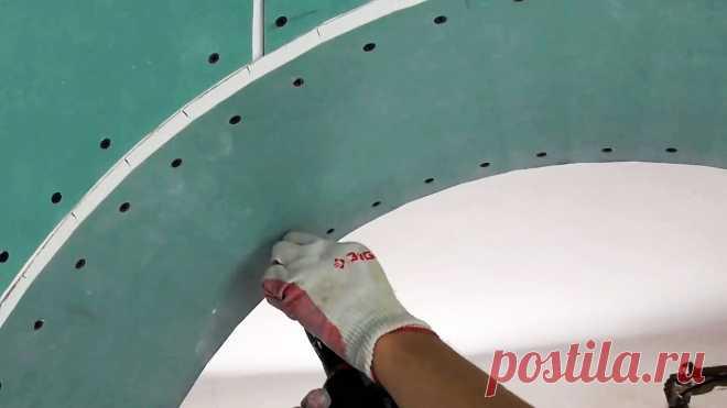 Как сделать арку из гипсокартона Для оформления проемов между комнатами без двери можно использовать арки. Делаются они из гипсокартона, после чего шпаклюются с армирующей лентой, окрашиваются или оклеиваются обоями. На первый взгляд задача несложная, но все же имеет массу нюансов.Что потребуется:стеновой гипсокартон;UD