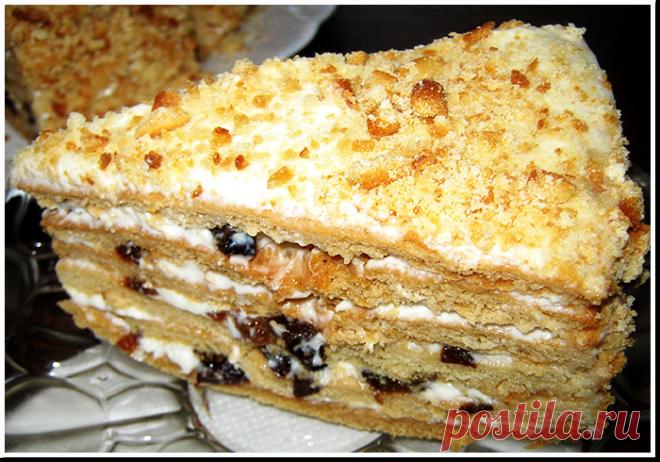 Медовый торт с черносливом и орехами: рецепт