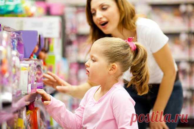 Можно ли вернуть в магазин игрушку: закон и особенности Предположим, что ребенку подарили новую куклу или машинку, а ему эта вещь совсем не понравилась. Или покупка, совершенная импульсивно, не устраивает при ближайшем рассмотрении. Можно ли вернуть в мага...