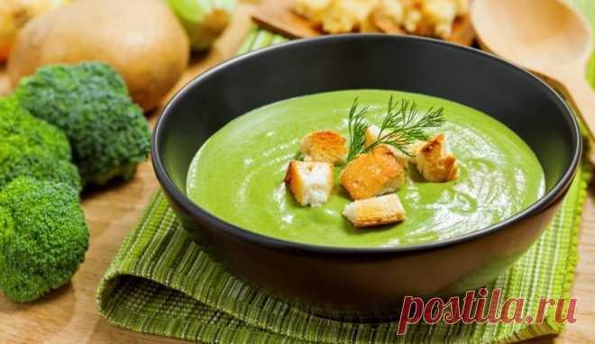 😍Рецепт супер-полезного супа:  Витаминный крем-суп из 7-ми овощей зарядит энергией и поднимет настроение! 🍴Ингредиенты: картофель, морковь, лук, чеснок, брокколи, цветная капуста, брюссельская капуста, стручковая фасоль, петрушка, зеленый лук, укроп, растительное масло