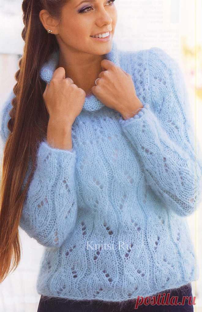 Кофточка голубого цвета