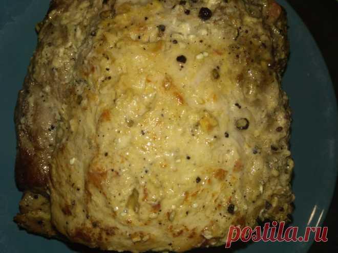 Буженина в духовке с горчицей - Пир во время езды История моего любимого праздничного рецепта из мяса началась с увлечения немецкой кухней. Изучая классические блюда европейского Берлина, увидела рецепт из свинины, томленной долгое время в томатной приправе. Это Schweinebraten (Швайнбратен). Повара берут кусок свиного окорока, запечатывают все соки на сковороде, а потом томят его в бульоне и специях около 4 часов. Получается сочное, распадающееся на […]