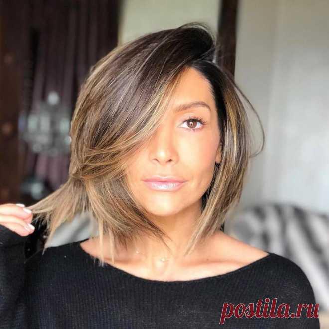 Модные окрашивания для русых волос для леди старше 50 лет 2021 Женщины возраста 50+ должны более тщательно подходить не только к выбору стрижки, но и окрашиванию волос. От этого зависит возможность выглядеть значительно моложе своих лет. С возрастом волосы теряю...