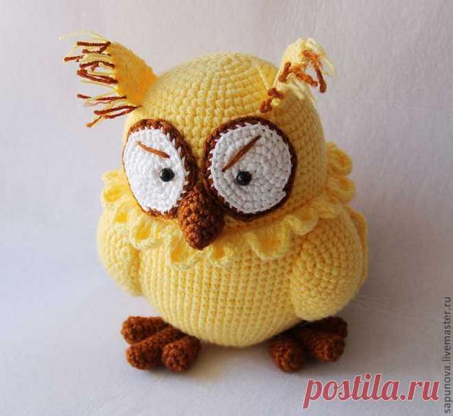 Жёлтая умная сова