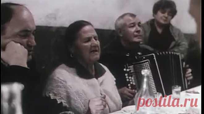 Песня мое детство напомнило! Мои родители часто пели.  Воспоминания до слёз