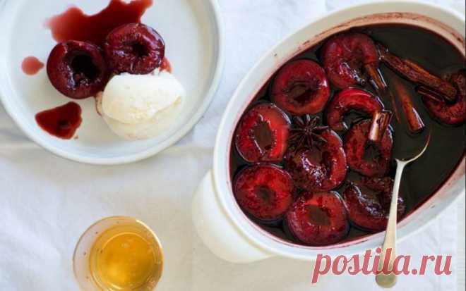 Сливы, запеченные в красном вине — Sloosh – кулинарные рецепты