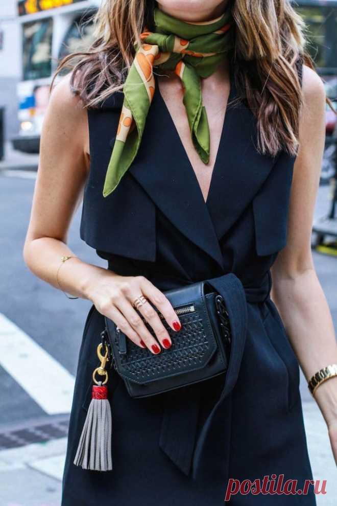 Маленькое черное платье: правильные фасоны для 20, 30, 40 и 50 лет. В гардеробе каждой леди должно быть маленькое черное платье.  И для каждой оно свое! Выбирай правильную модель по возрасту и типу фигуры, дополняй изящными аксессуарами, и ты — мисс элегантность. ⤴ Кликайте на фото, чтобы посмотреть все идеи платьев