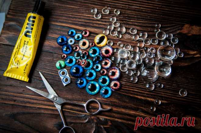 Как сделать глаза вязаной игрушке своими руками Как сделать глаза и нос для вязаной игрушки своими руками из подручных материалов? Мастер - класс по созданию глаз и носиков для игрушек.