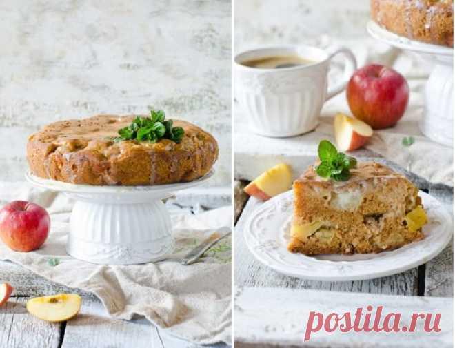 Нравится всем без исключения. Влажный и безумно вкусный яблочный пирог с заливкой из кефира и сгущенного молока  Ингредиенты: Мука — 200 гЯблоко — 2 штСахар — 1 стаканаМасло сливочное — 100 гЯйцо — 2 штукиСода — 0,5 ч. л.Корица — 1 ч. л.Масло растительное — 80 млСольМолоко сгущенное — 150 млКефир — 150 мл Приго…