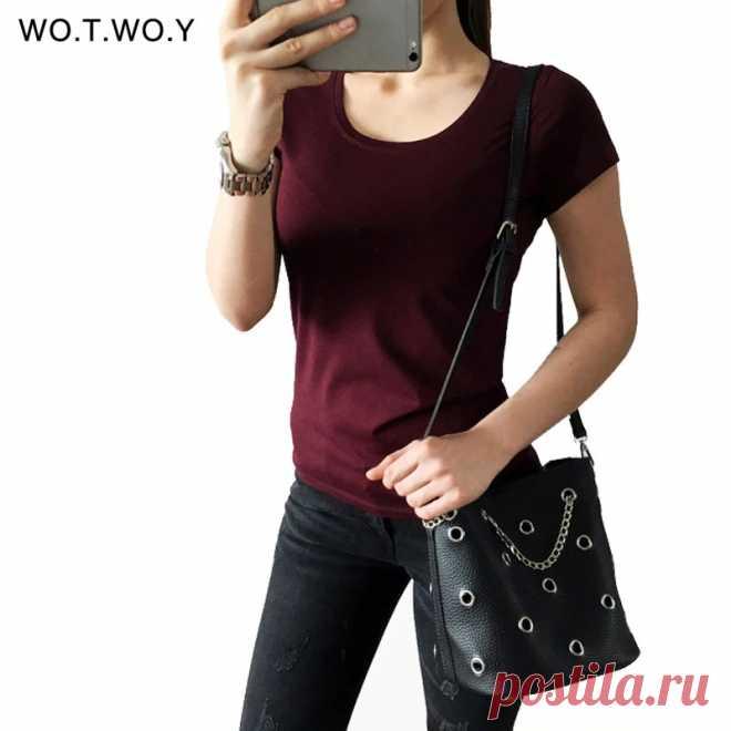 Женская футболка с круглым вырезом