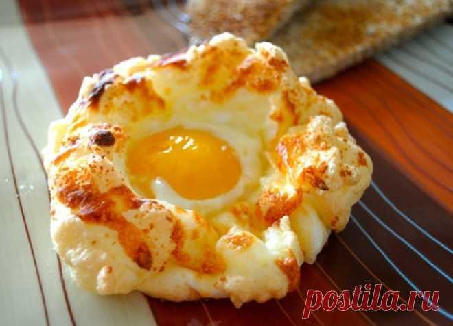 Этот способ приготовления яичницы полюбился уже тысячам хозяек и их домочадцам!