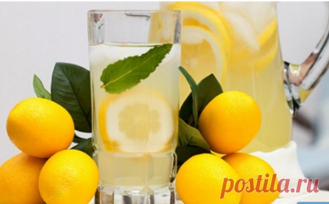 Пейте лимонную воду вместо таблеток, если вы столкнулись с одной из этих 13 проблем со здоровьем! - Советы и Рецепты Пейте лимонную воду вместо таблеток, если вы столкнулись с одной из этих 13 проблем со здоровьем! Стакан теплой воды с лимоном одна из самых полезных утренних привычек. Лимонный сок — мощный антиоксидант. Он является богатым источником витаминов В и С, калия, углеводов, эфирных масел, а также других полезных компонентов. Регулярное употребление лимонного сок...