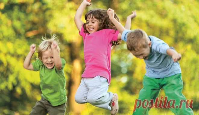 Игры для детей на улице летом: большая подборка Активный отдых на свежем воздухе — отличная альтернатива гаджетам. Живое общение, навыки взаимодействия со сверстниками — это то, чему полезно ...
