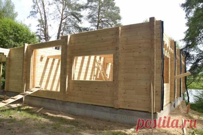 7 ошибок при строительстве дома из клеёного бруса - Мужской журнал JK Men's Стены из клеёного бруса почти не дают усадки и не требуют обшивки. При этом в новом доме пахнет хвойным лесом,