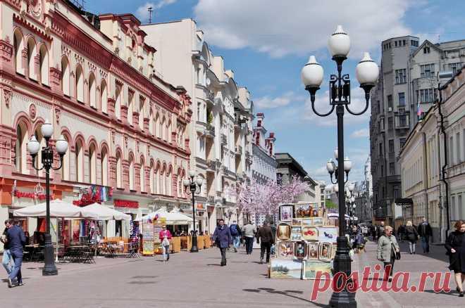 Отели на Арбате: адреса, описание, отзывы Очень часто перед туристами и гостями столицы встает вопрос о поиске подходящего отеля для проживания. Выбор заведений в Москве невероятно широк. Но