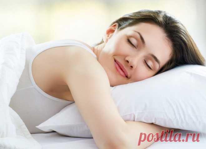 Легкий способ похудеть во сне! Недавно диетологи пришли к выводу, что заниматься похудением нужно не только на протяжении дня, когда ты активна, но и во время отдыха, а именно сна. Американские ученые уже доказали и показали, что похудеть во сне действительно реально.