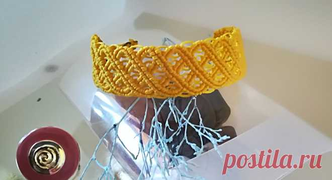 Мои любимые, нарядные плетеночки выполнены в стиле кельтских узоров из вощенной нити . Очень радуют глаз. У каждого браслета свой узор, вроде похожи между собой но все же они разные :) .  ©
