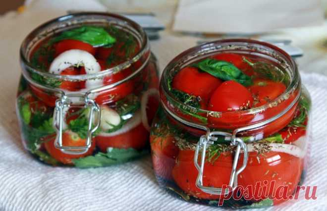 Instant fermented tomatoes \u000a\u000a\u000aIngredients: 1 kg tomato of cream of 5 garlic gloves of 3 bay leaves\u000aIngredients for a brine: 1 l of water of 1 tbsp with top of salt of 1 tbsp with sugar top\u000aRecipe of preparation of fermented tomatoes bystrog …