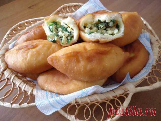Приготовлю в следующую субботу: Слоеные пирожки с яйцом и зеленым луком