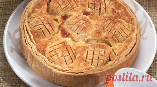 Кулинария >Яблочный пирог в нежнейшей заливке