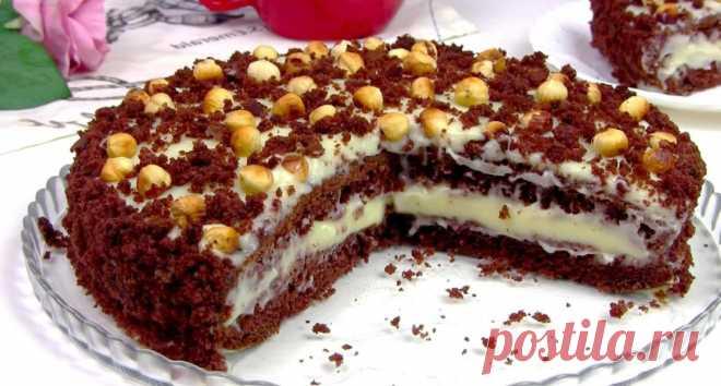 Простой и быстрый. Нежный торт на кефире «Фантазия» с заварным кремом Простой рецепт бисквита поможет вам быстро справится с тестом, а крем заварной вы можете заменить и обычным сметанным или из сливок.