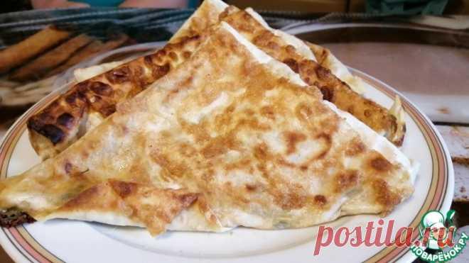 Треугольники из лаваша с сыром, зеленью, курицей Кулинарный рецепт