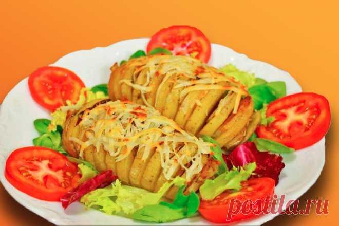 Картошка-гармошка с ветчиной и сыром в микроволновке