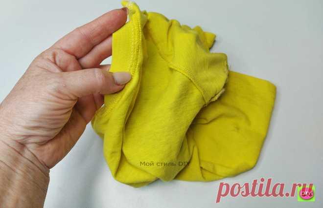 Превратила старую футболку в модную летнюю вещь. Получилось стильно и по-настоящему современно Люблю носить с джинсами футболки. Но, хочется чтобы они были оригинальными, не такими как у всех. Я как раз смастерила себе такую. Очень классно получилось! А идея пришла, когда я перебирала детские вещи и нашла старую желтую футболку. Сочетание желтого и белого трикотажа смотрится очень свежо и по-летнему. Из старой футболки я сделала декор спереди. […] Читай дальше на сайте. Жми подробнее ➡