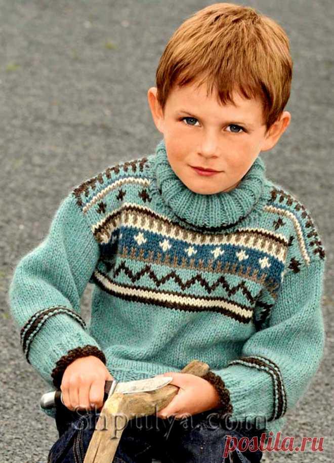 Свитер с жаккардовым узором для мальчика спицами