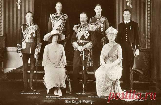 Редкие раритетные фото из жизни Королевских Семей.
