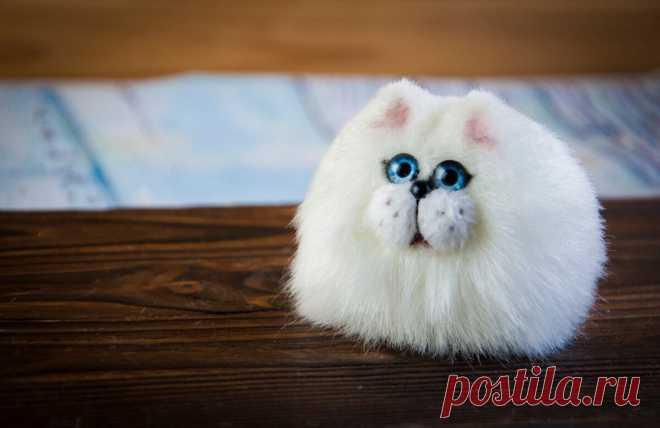 Шьем милого котика из одного квадрата | Живые Вещи | Пульс Mail.ru Никаких выкроек и сложных деталей