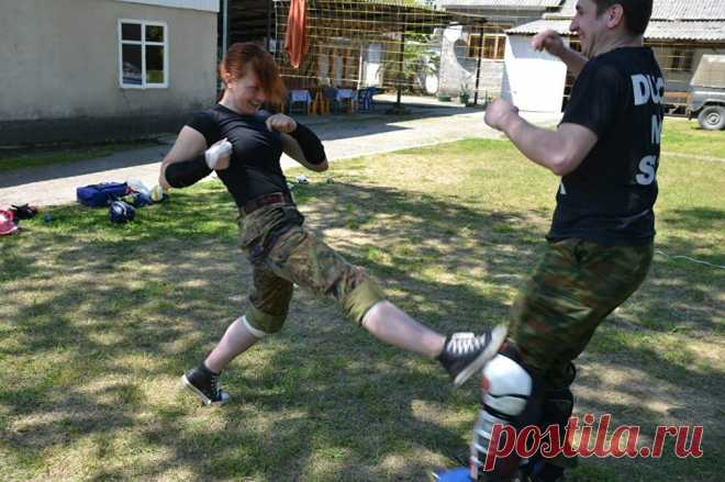 El combatiente del cero: como protegerse en la calle - la RIA Novosti, 01\/10\/2017