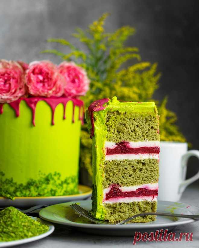Бисквитный торт «Симфония» с фисташкой и клубникой - Andy Chef (Энди Шеф) — блог о еде и путешествиях, пошаговые рецепты, интернет-магазин для кондитеров