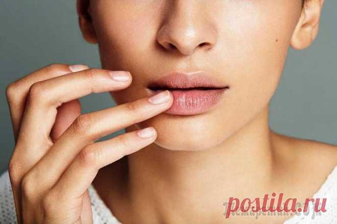 Заеды на губах — причины появления, чего не хватает Заеды на губах – явление распространенное и очень неприятное. Кому понравится, когда в уголках рта появляются пузырьки? Они воспаляются, зудят и доставляют человеку массу неудобств. Такие высыпания не...
