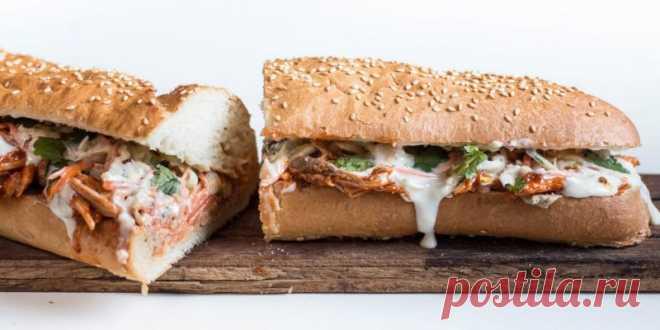 Острый сэндвич бан ми с индейкой
