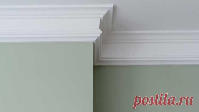 Правильно клеим потолочный плинтус на обои – пошаговая инструкция   Наш Ремонт   Яндекс Дзен