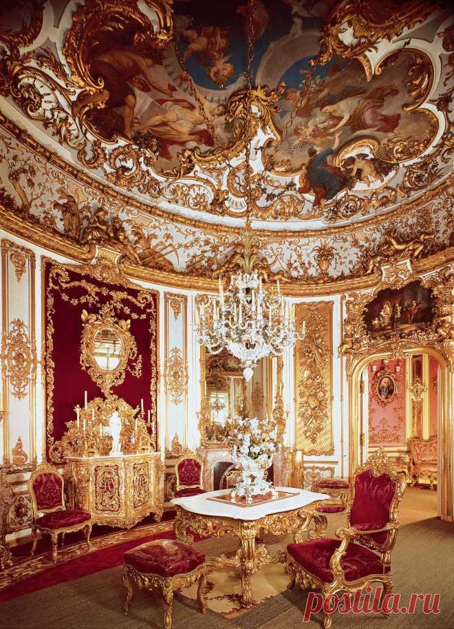 Замок Линдерхоф. Германия
