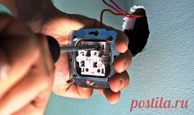 Где должна быть фаза в розетке: слева или справа ? 1 негласное правило электриков | Дачный СтройРемонт | Яндекс Дзен